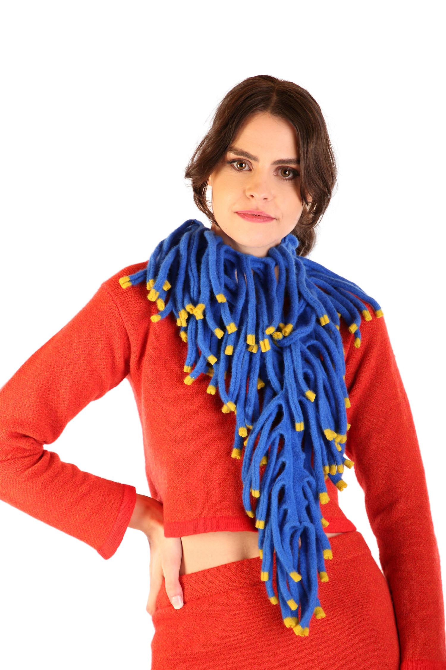 Boa scarf1
