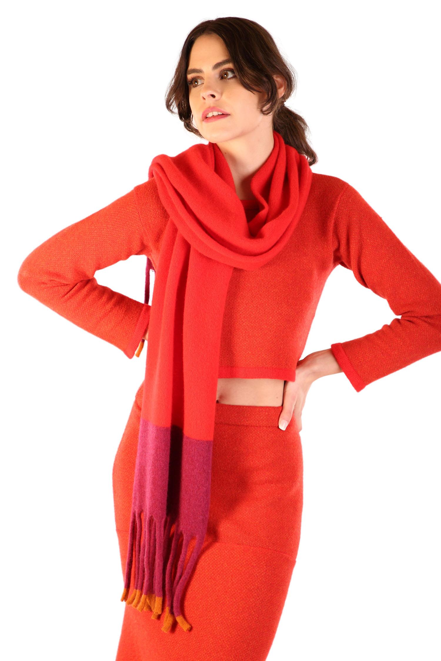 Fringed scarf Scarlet2